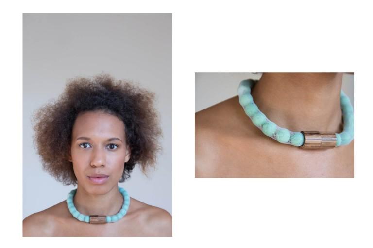 Adéla Pečlová | WOOD kolekce - náhrdelník zebrano zelený 01